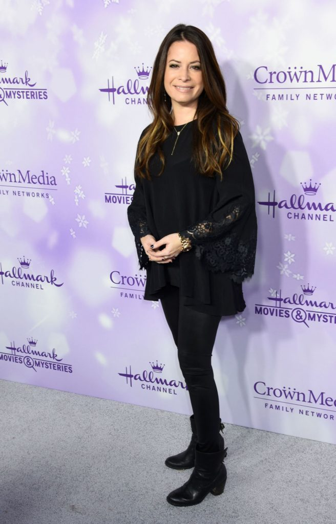 Holly-Marie-Combs-Pictures