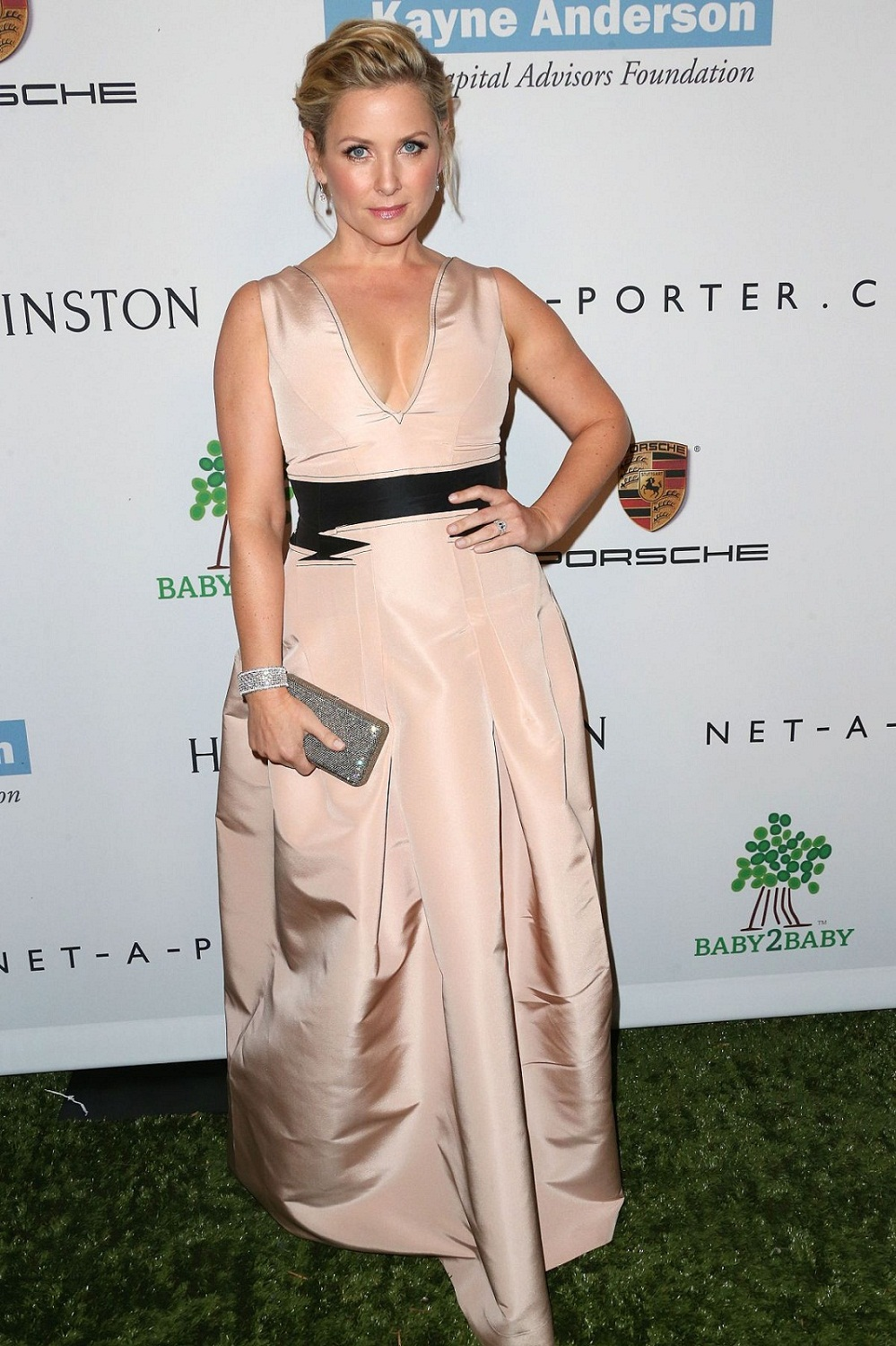 Jessica Capshaw Age Height Husband Siblings Family Facts