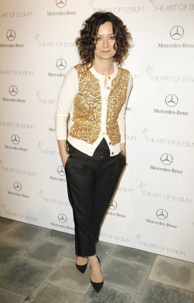 Sara-Gilbert-Photos
