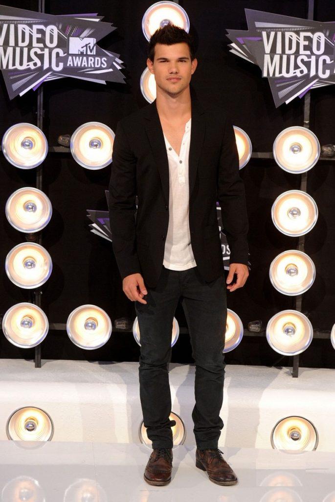 Taylor-Lautner-Pics