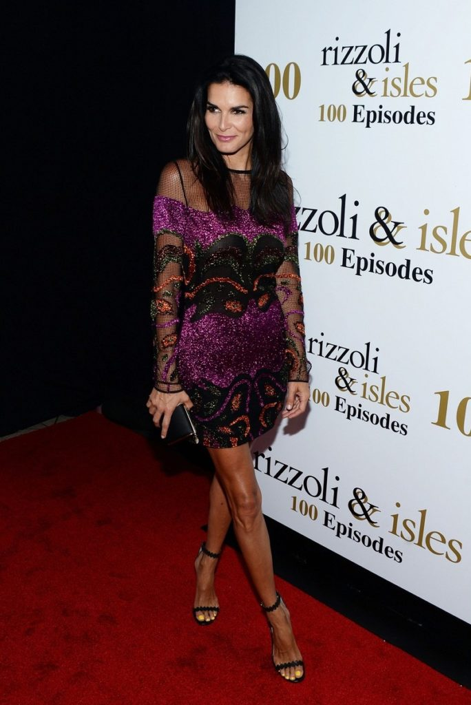 Angie-Harmon-Pictures