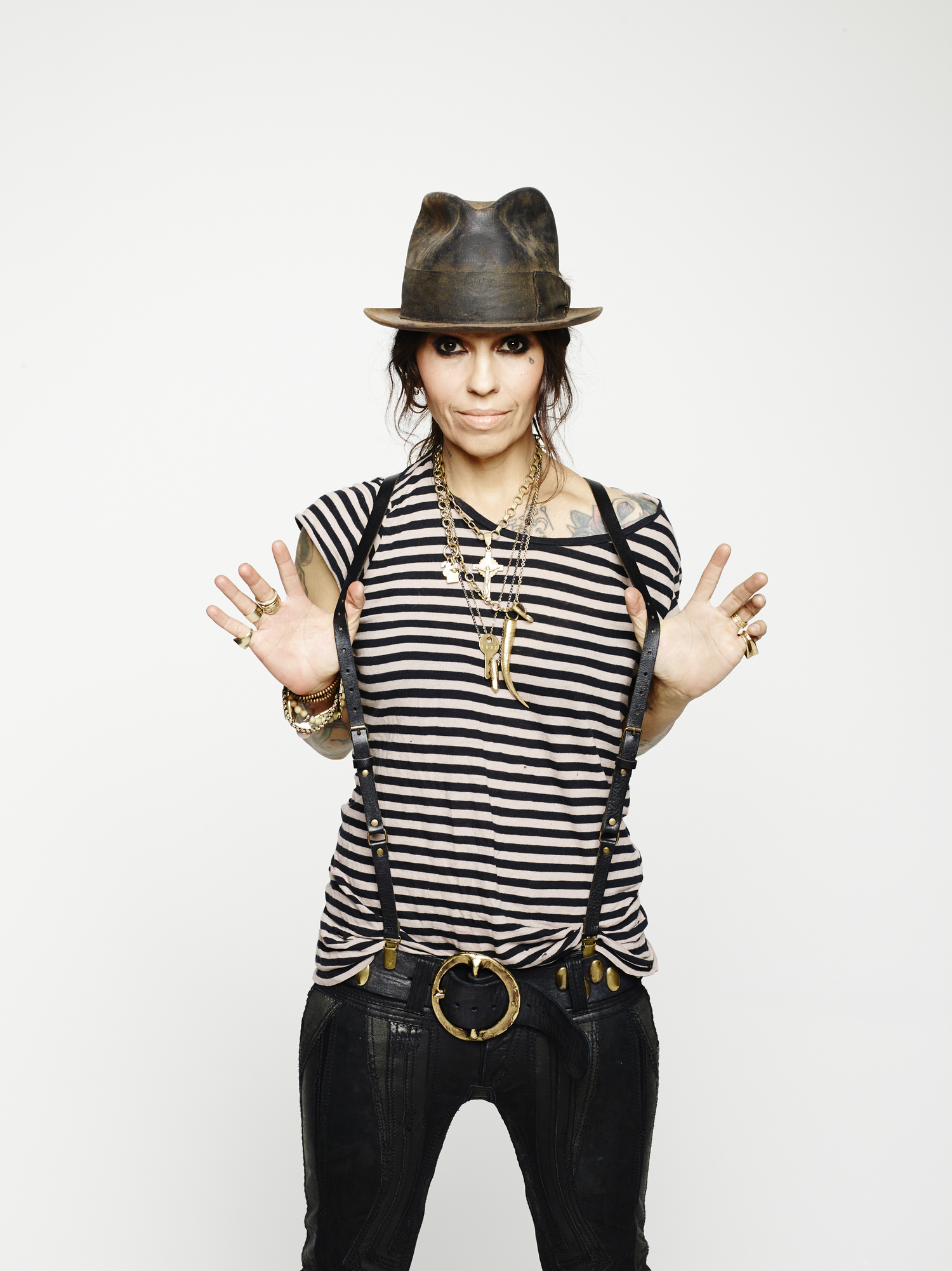 Linda Perry Age, Heigh...