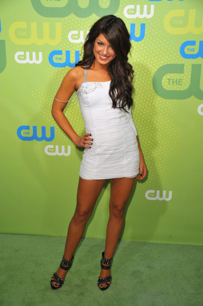 Shenae-Grimes-Beech-Pictures