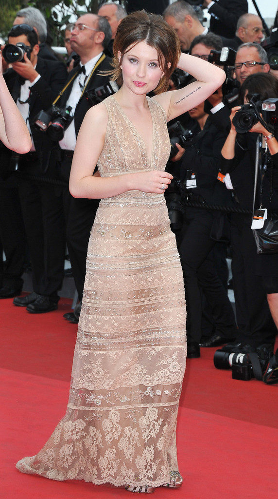 Emily-Browning-Pics