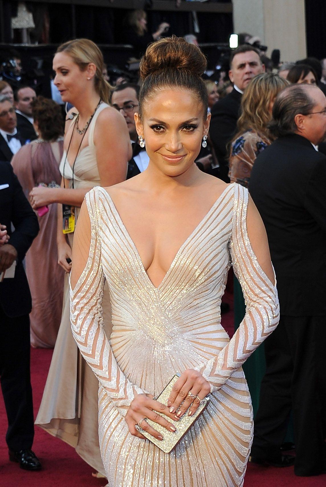 Jennifer Lopez Age, Height, Net Worth, Kids, Boyfriend, Spouse