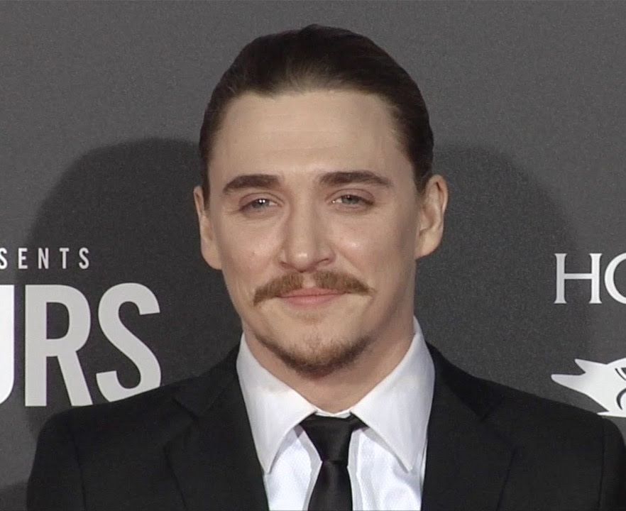 Kyle-Gallner-Wallpapers