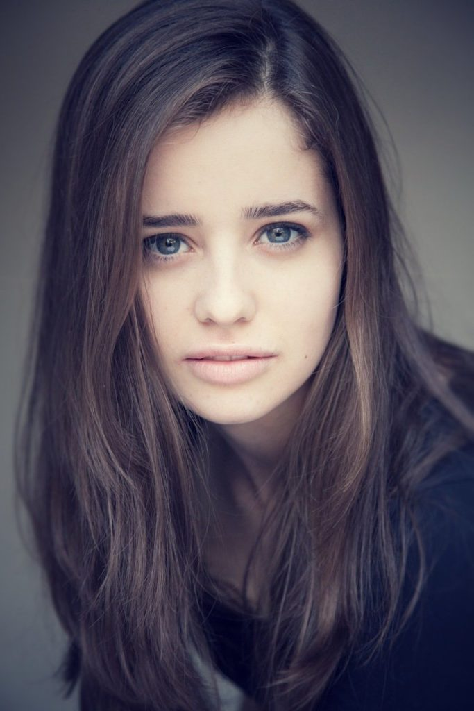 Holly-Earl-Pics