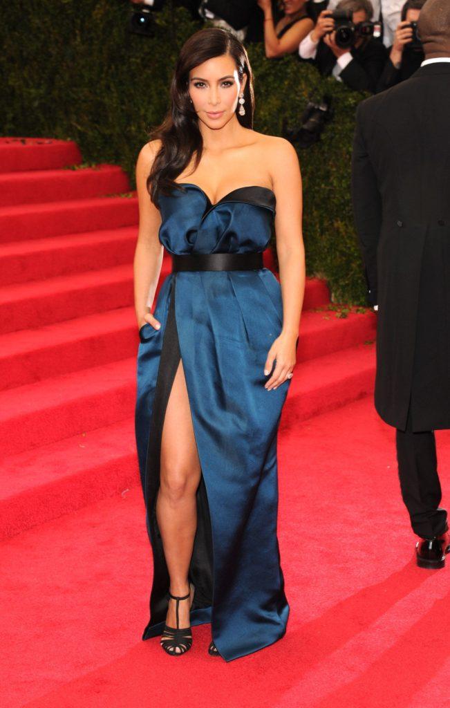 Kim-Kardashian-Wallpapers